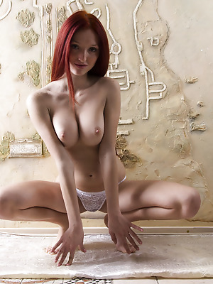 Showy Beauty  Red Fox  Tits, Red Heads, Breasts, Striptease, Amazing, Beautiful, Boobs